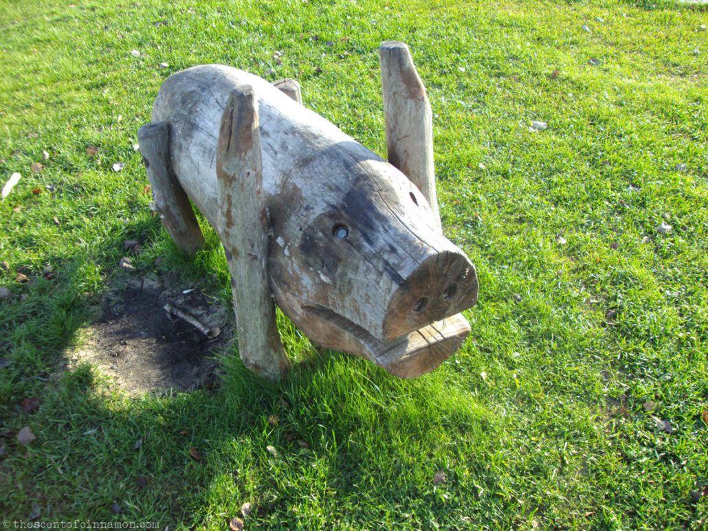 wooden pig-oulu