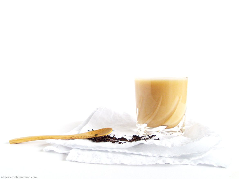 Recept voor London Fog, de Earl Grey Latte uit Canada! (vegan) | Eens wat anders proberen dan een Chai Latte? Wat dacht je van een vegan Earl Grey Latte, oftewel London Fog? Een heerlijk warm drankje voor de koude herfst- en wintermaanden, met de beste eigenschappen van zowel een kop thee, als een latte.